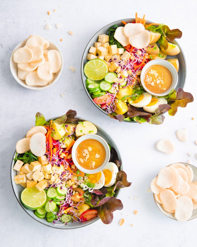Plats de salade gado gado