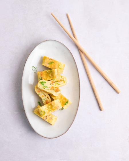 Voici comment faire le gyeran mari, l'omelette roulée coréenne!